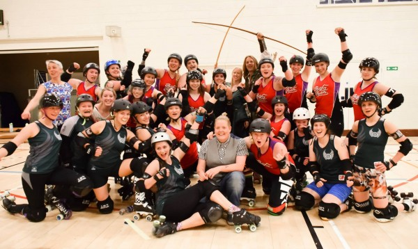 Nottingham Hellfire Harlots and Manchester Roller Derby © Mike Choo